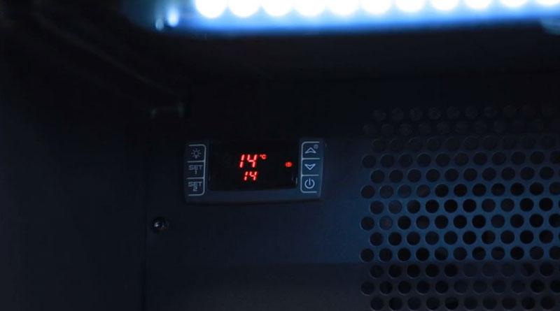 Hệ thống điều khiển điện tử có đèn LED