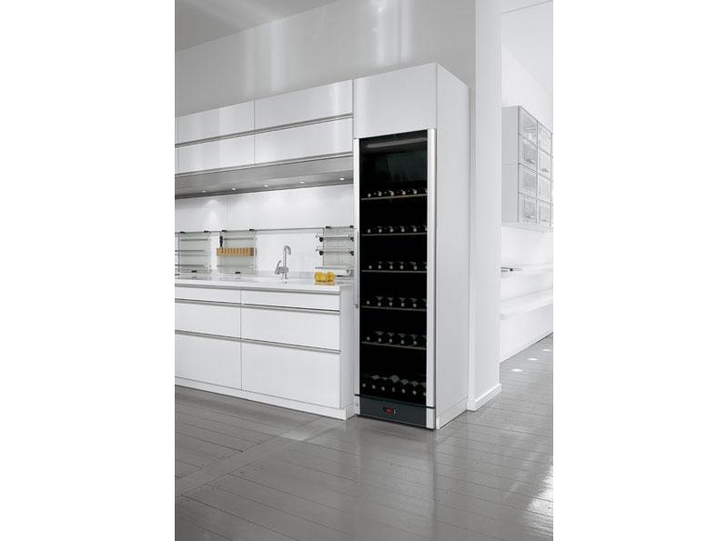 Tủ trữ rượu vang đa vùng nhiệt độ với sức chứa ~ 170 chai rượu