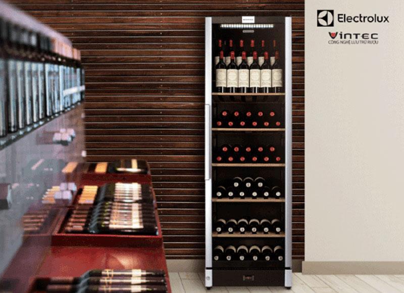 Tủ có 1 chế độ bảo quản duy nhất (single zone) với sức chứa lên đến 132 chai rượu (Bordeaux 750 ml)