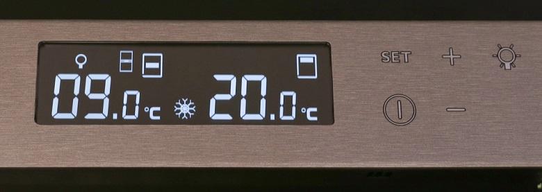 Bảng điều khiển màn hình Led - Tủ trữ rượu vang Transtherm Castel Prestige 165 chai