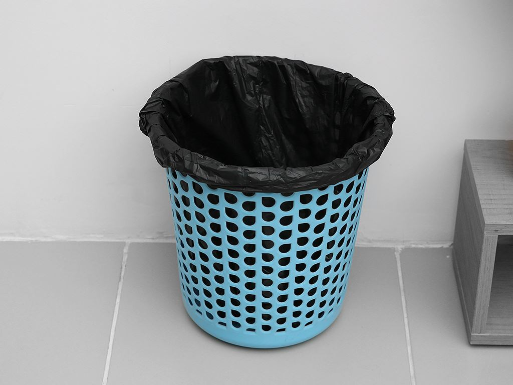 1 cuộn túi rác đen quai xách Inochi 54x70cm 6