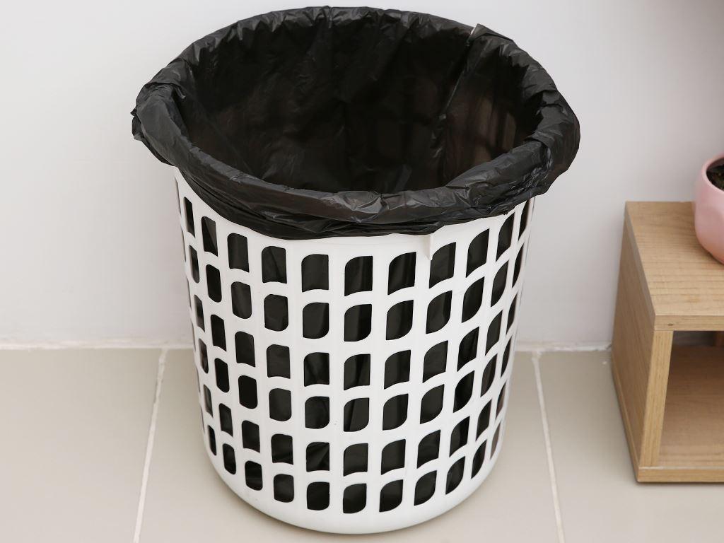 1 cuộn túi rác đen quai xách Inochi 60x90cm 6
