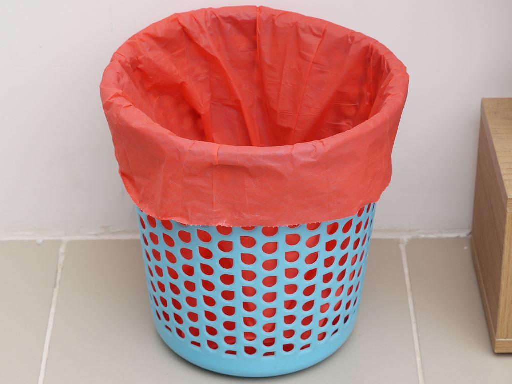 Lốc 3 cuộn túi rác màu Trương Ngọc Bích 55x65cm (1kg) 6