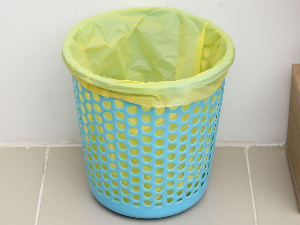 Lốc 3 cuộn túi rác màu Trương Ngọc Bích 44x56cm (1kg) 6