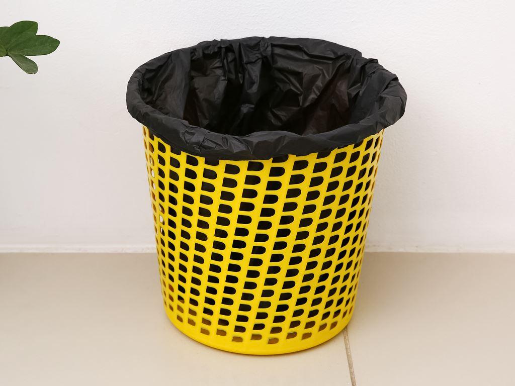 1 cuộn túi rác đen tự huỷ sinh học Bách Hóa XANH 55x65cm (250g) 6