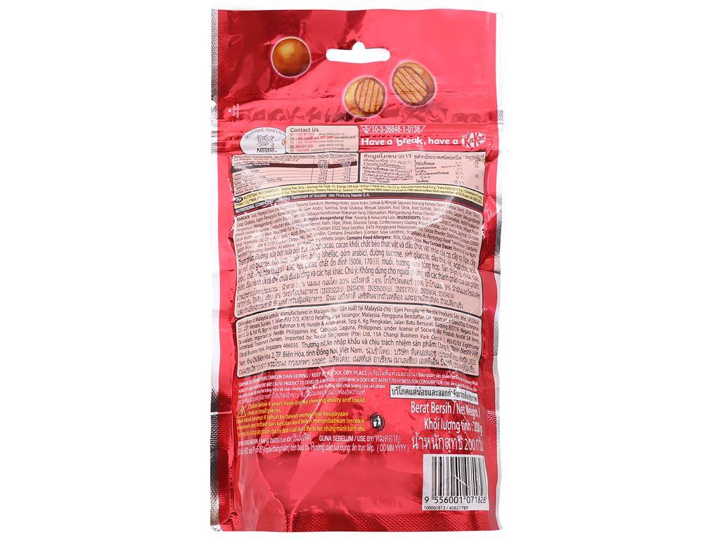 Bánh xốp phủ socola KitKat Bites túi 200g 2