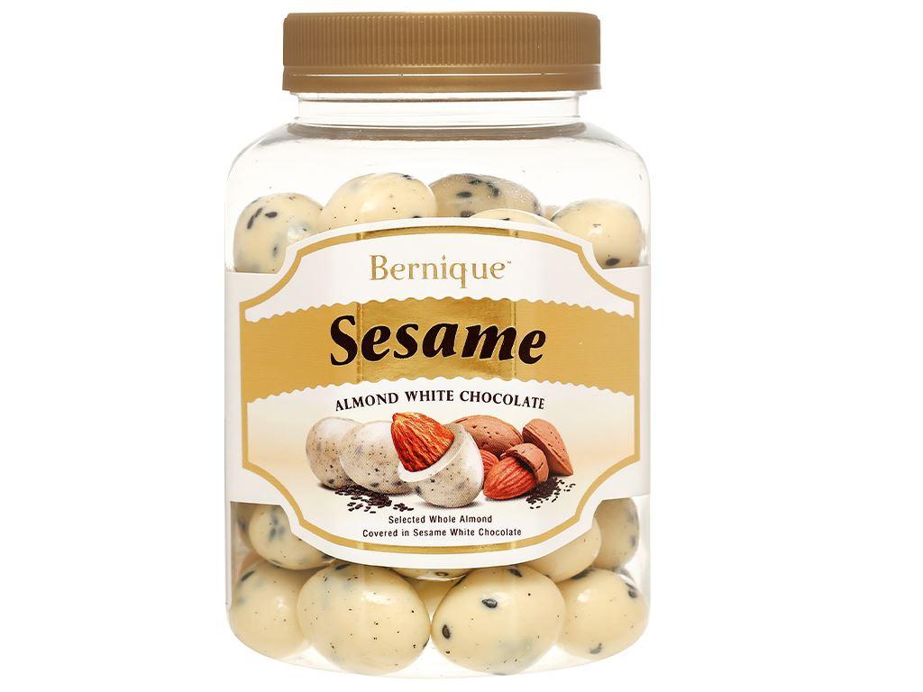 Socola trắng hạt mè hạnh nhân Bernique hộp 350g 2