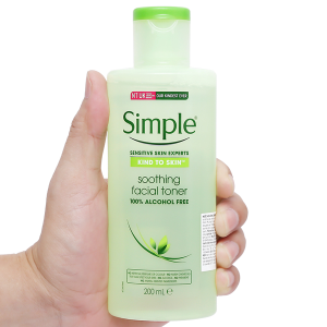Nước hoa hồng Simple Sensitive Skin Experts 200ml
