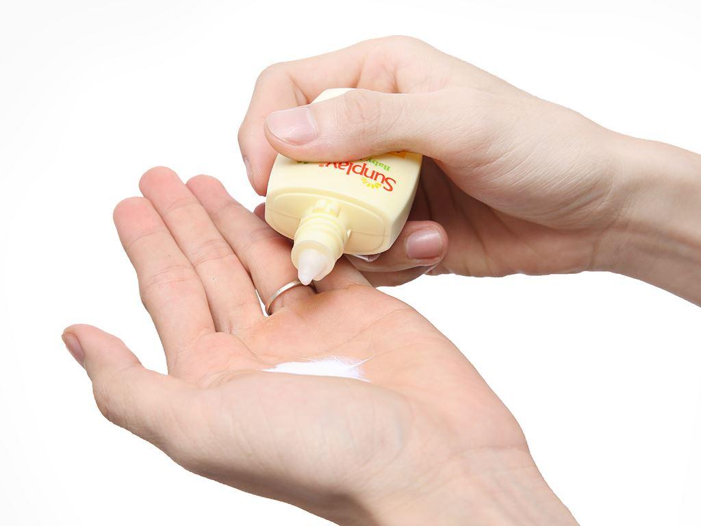 Sữa chống nắng cho bé và da nhạy cảm Sunplay SPF 35/PA++ 30g 4