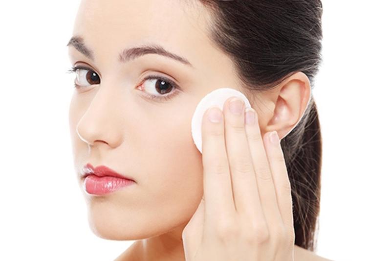 Hướng dẫn tẩy trang đúng cách an toàn cho da của nàng