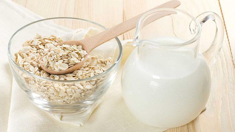 Mặt nạ yến mạch và sữa tươi không đường