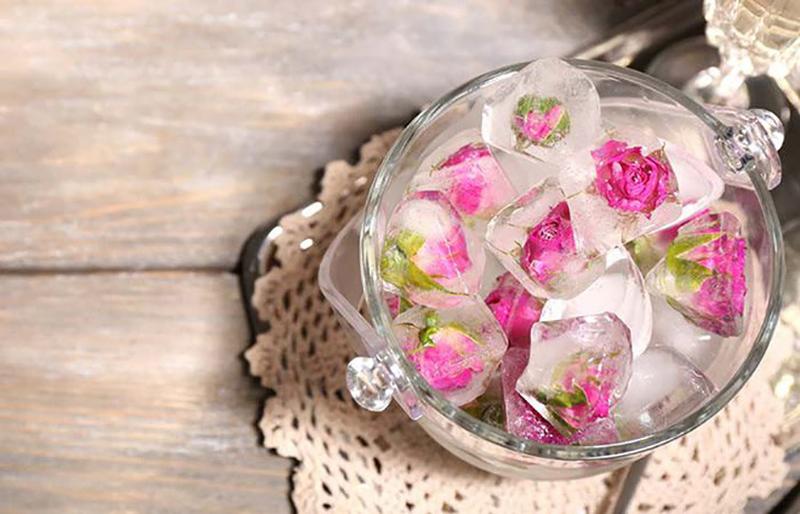 14 công dụng làm đẹp từ đá lạnh sẽ khiến sản phẩm chăm sóc da đắt tiền bị thất sủng