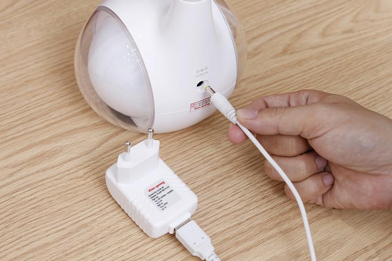 Dùng điện trực tiếp - Đèn bàn ĐQ LDL06 5W
