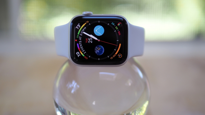 Apple Watch S4 GPS 44mm silver (MU6A2VN/A) - màn hình