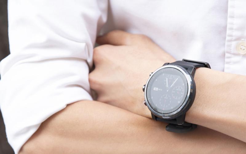 Đồng hồ thông minh Xiaomi Amazfit Stratos 2 - Thiết kế mạnh mẽ