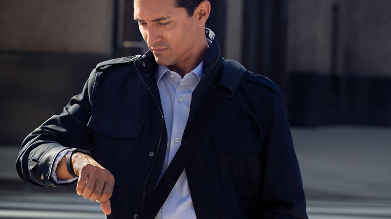 Vòng đeo thông minh Fitbit Charge 3 Đen - Cập nhật hiển thị đầy đủ