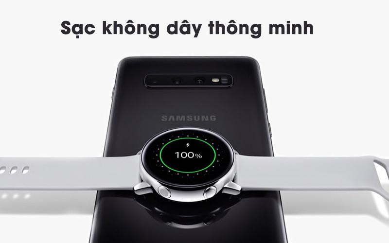 Sạc không dây trên Samsung Galaxy Watch Active