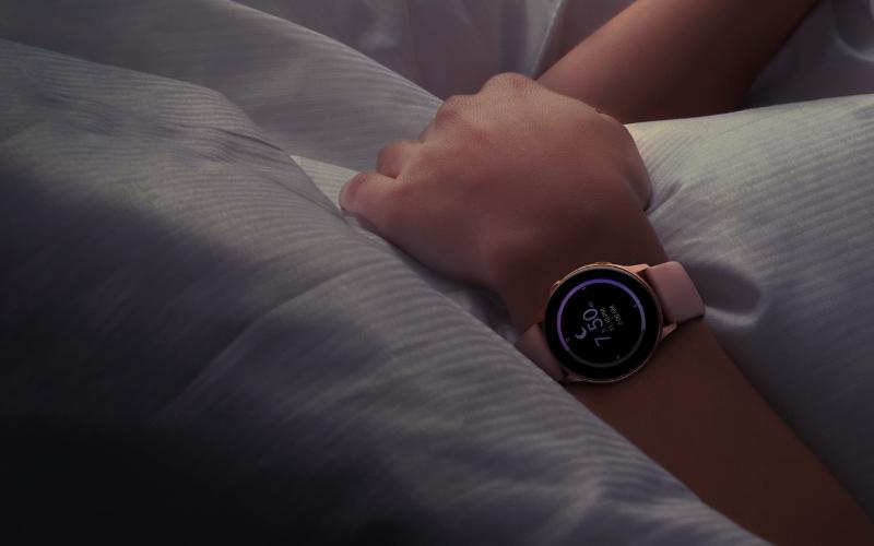 Theo dõi giấc ngủ với Samsung Galaxy Watch Active