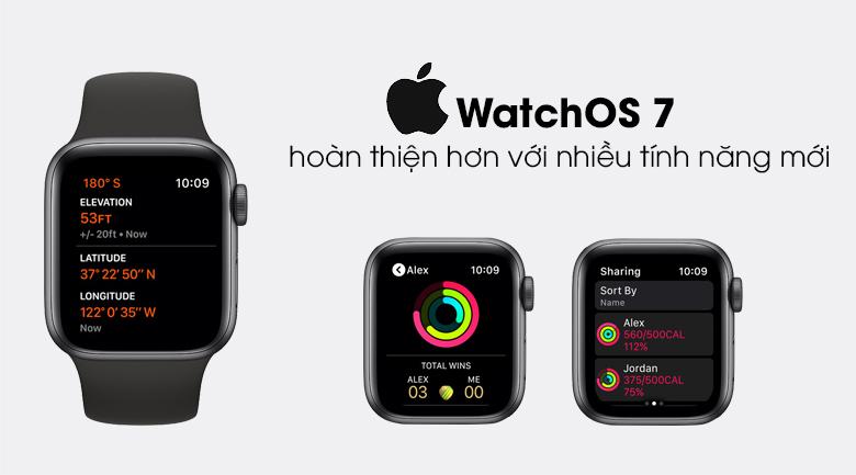 Apple Watch SE 44mm viền nhôm dây cao su chạy hệ điều hành watchOS 7.0