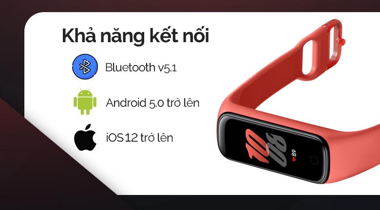 Vòng tay thông minh Samsung Galaxy Fit2 đỏ kết nối với bluetooth