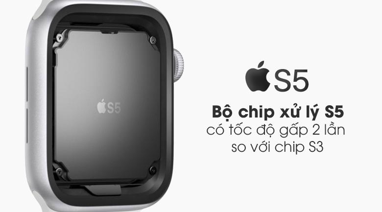 Đồng hồ Apple Watch SE LTE 44 mm trang bị chip xử lý S5 cho tốc độ xử lý gấp 2 lần so với thế hệ S3