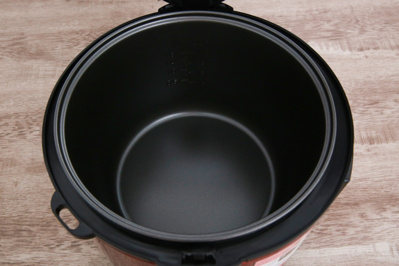 Lòng nồi bằng nhôm phủ chống dính hạn chế dính cháy - Máy làm tỏi đen đa năng Mishio MK54