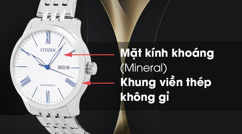 Đồng hồ nam Citizen NH8350-59B có mặt kính trong suốt, khung viền cứng cáp