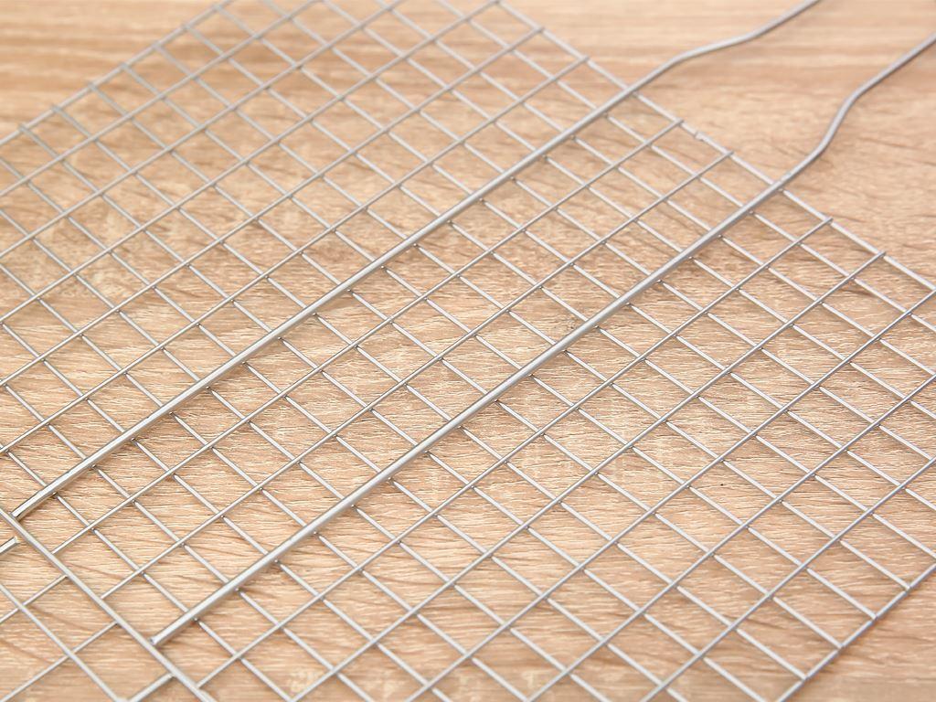 Vỉ nướng kẹp inox Tithafac 35x23cm 3