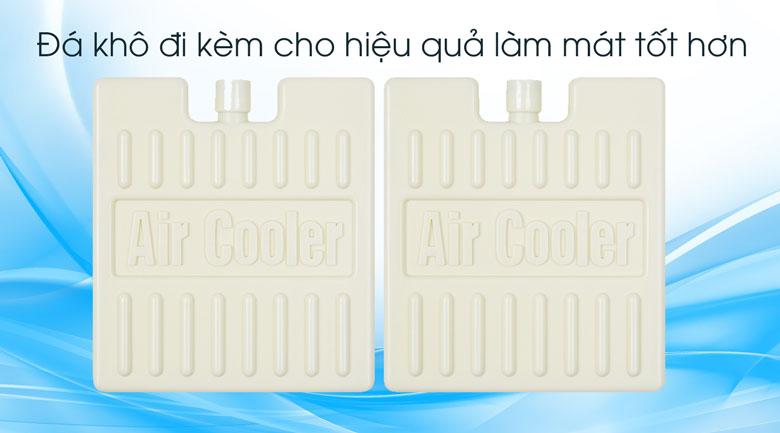 Đi kèm 2 hộp đá khô cho hiệu suất làm mát cao hơn - Quạt điều hòa Comfee CF-AC12AR