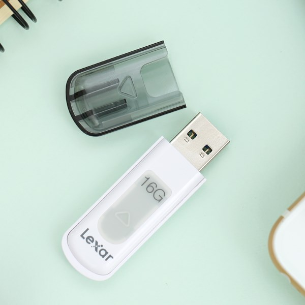 USB 3.0 Lexar V100 JumpDrive 16 GB Trắng Xám