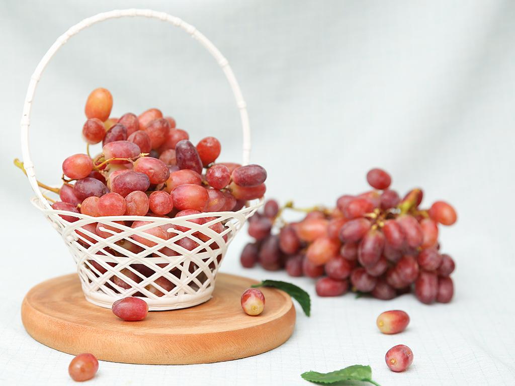 Nho Crimson đỏ không hạt nhập khẩu Úc túi 1kg 2
