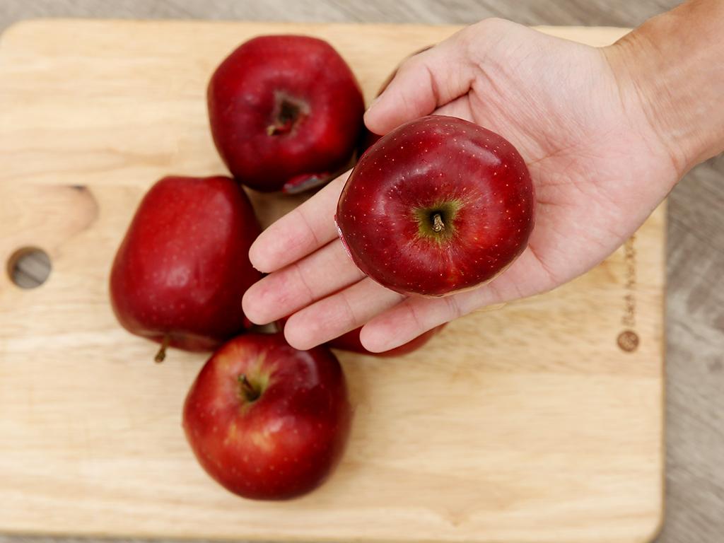 Táo đỏ Red Delicious nhập khẩu Mỹ hộp 1kg (4 - 5 trái) 3