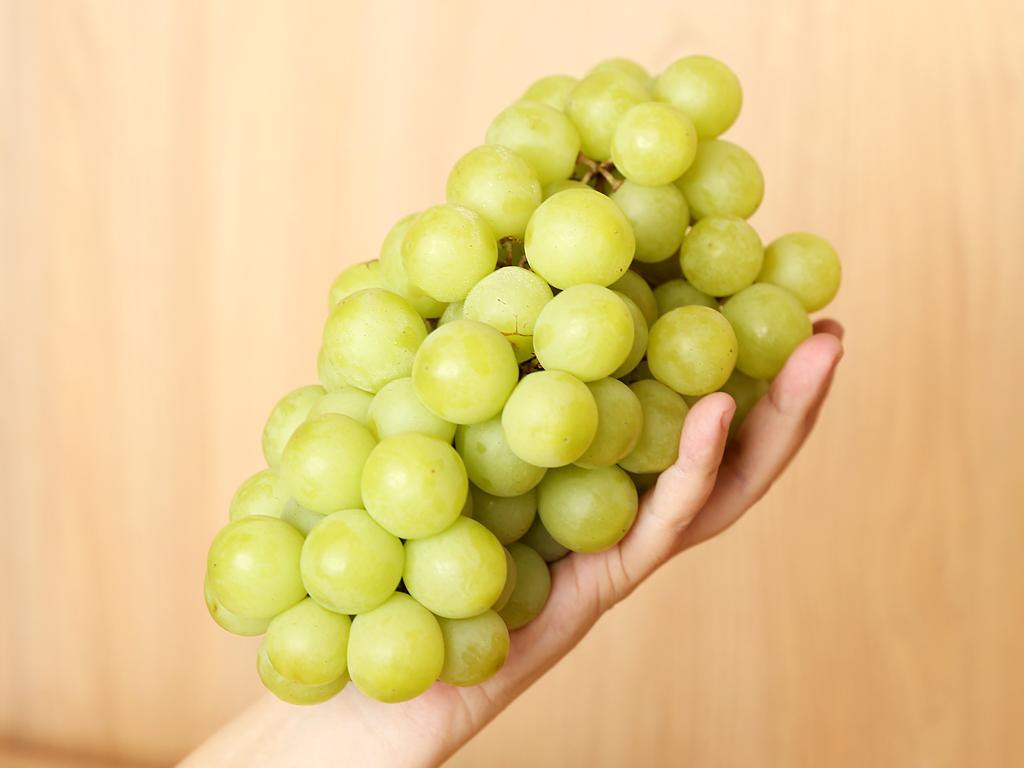 Nho xanh không hạt nhập khẩu Nam Phi túi 1kg 3