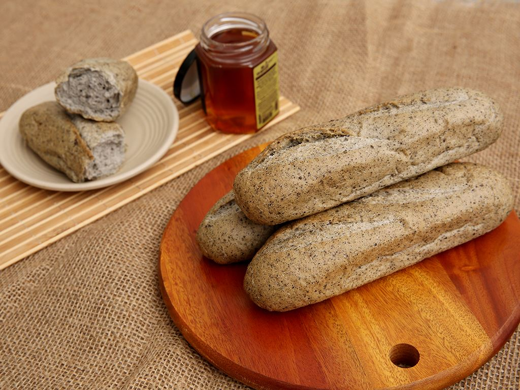 Bánh mì mè đen đông lạnh O'smiles gói 350g (70g x 5 ổ) 1