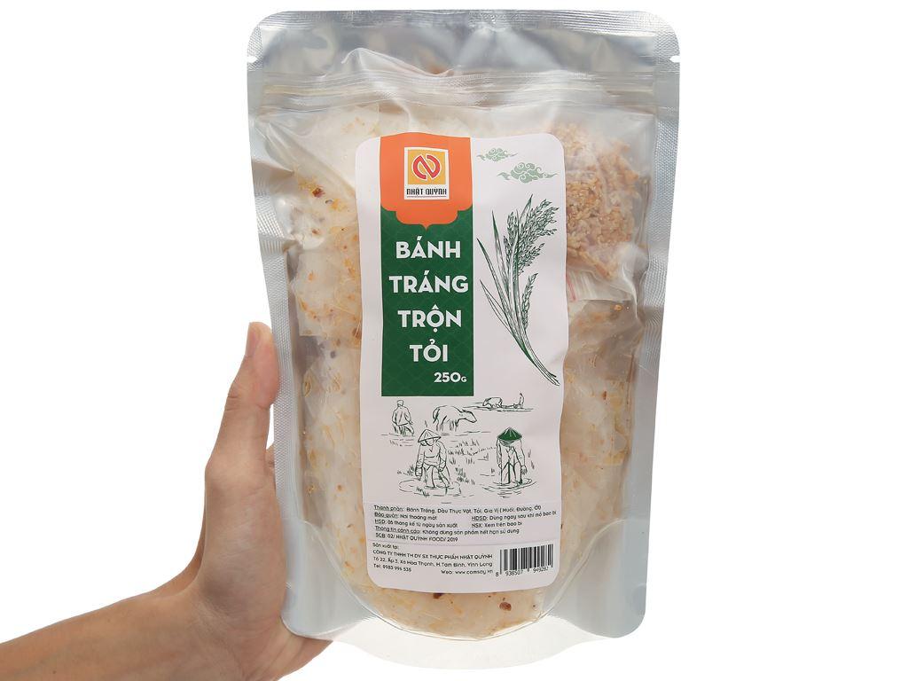 Bánh tráng trộn tỏi Nhật Quỳnh gói 250g 4