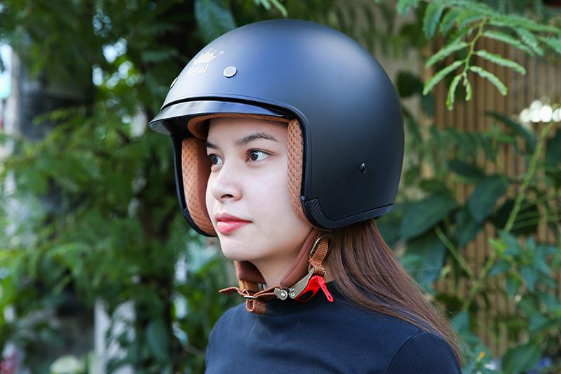 Mũ bảo hiểm loại hở mặt hoặc ¾