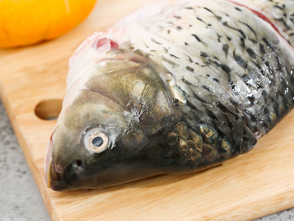 Cá chép làm sạch khay 1kg 2