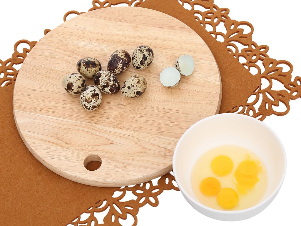 Hộp 16 trứng cút T.Food 4