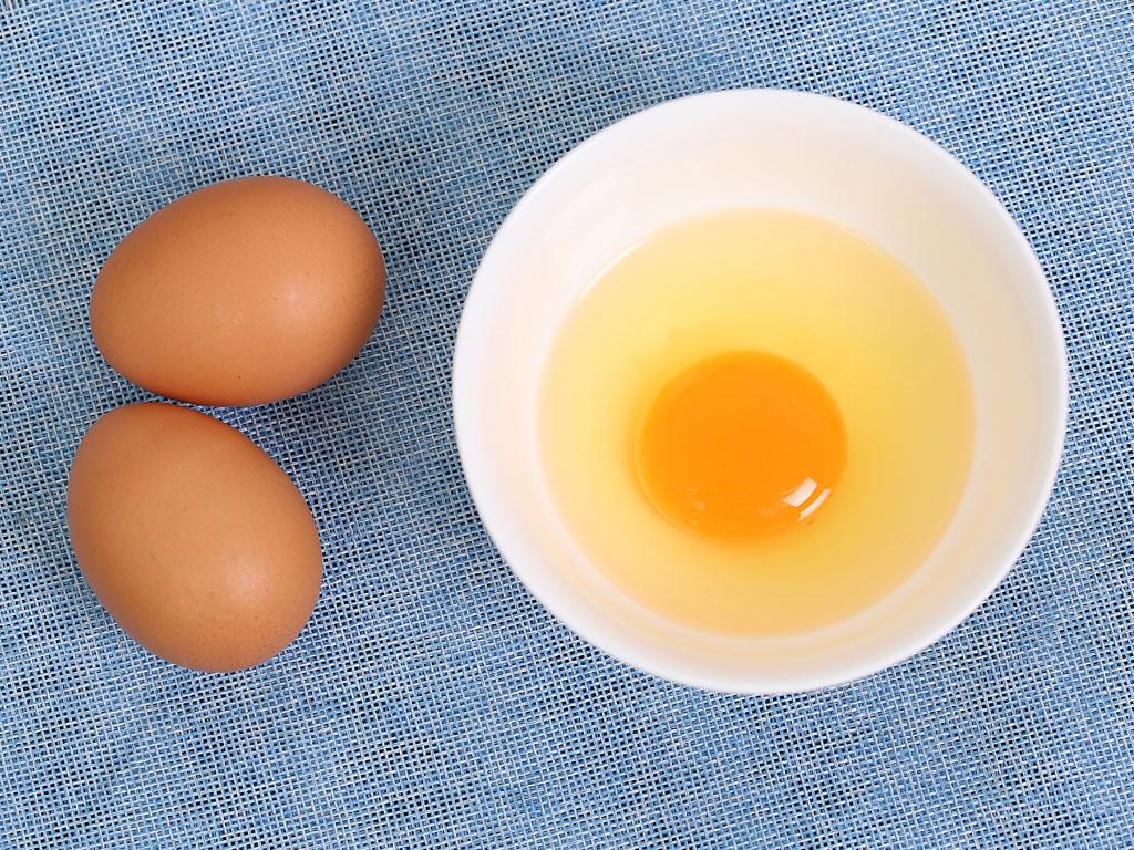 Hộp 10 trứng gà tươi QLEgg 4