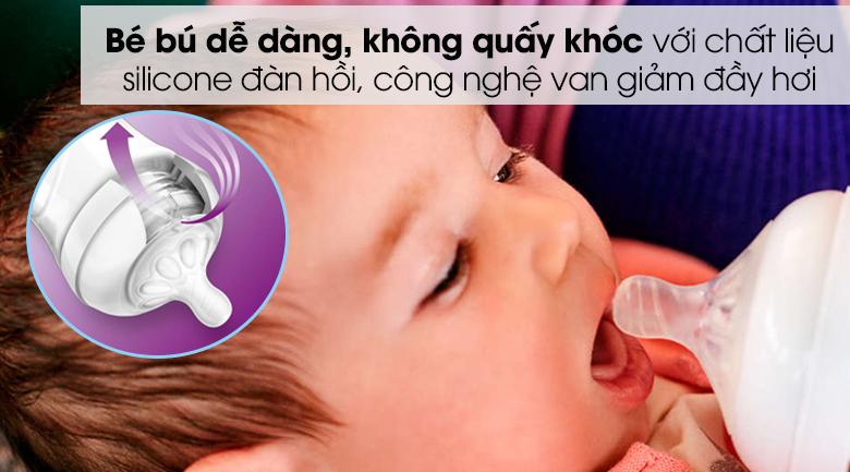 Núm ti silicone Philips Avent cho trẻ từ 1 tháng tuổi SCF652/23 - Chất liệu silicone nhẵn mịn, mềm dẻo