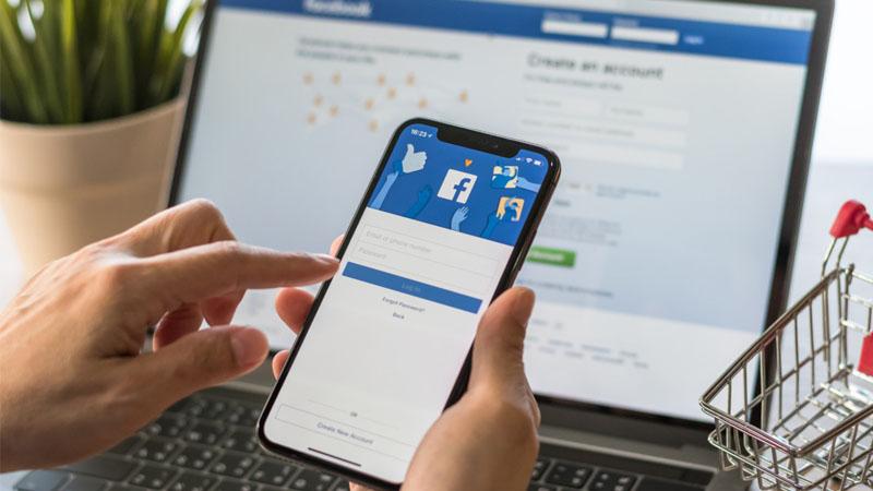 Đổi ngôn ngữ Facebook trên điện thoại không làm thay đổi ngôn ngữ trên máy tính