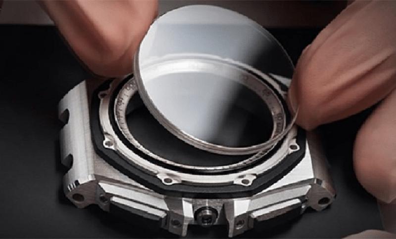 Tìm hiểu từng loại mặt kính đồng hồ đeo tay