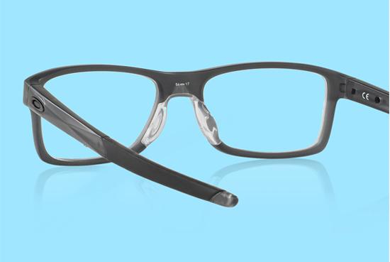 Cách nhận biết mắt kính Oakley hàng xịn, chính hãng