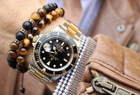 Không đeo đồng hồ cùng vòng tay trên cùng 1 tay