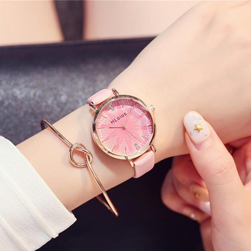 Cách chọn đồng hồ đeo tay cho người mệnh thổ, màu gì hợp?