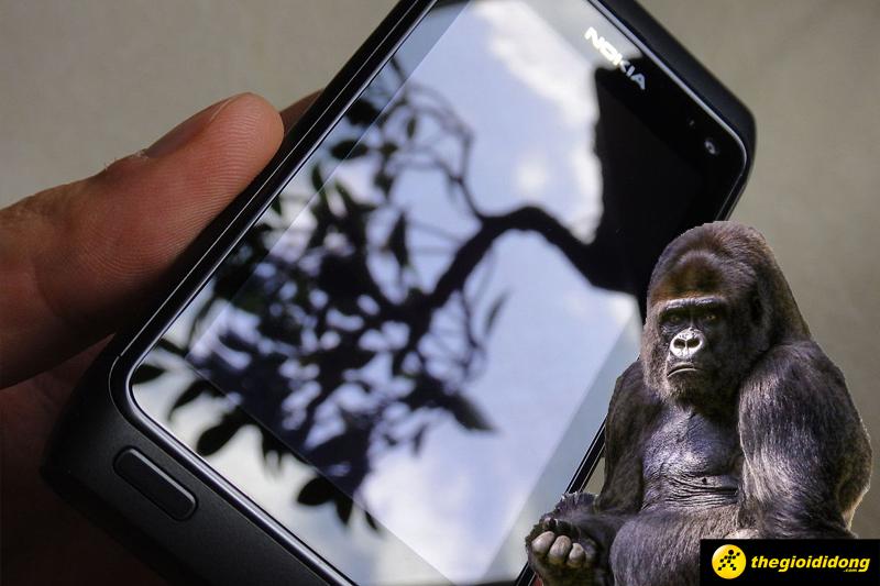 Gorilla Glass 3 giảm 40% vể xước có thể nhìn thấy