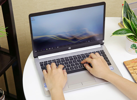 Laptop HP 348 G5 i3 7020U