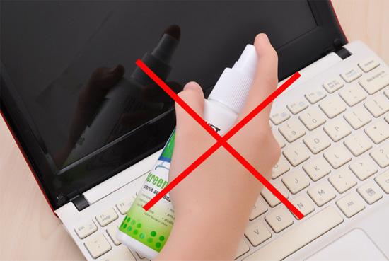 Lưu ý khi vệ sinh màn hình laptop
