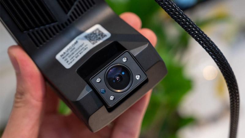 Camera hành trình trực tuyến video 2 kênh NAVICOM J400