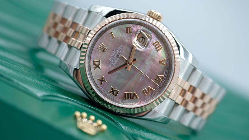 Đồng hồ mặt xà cừ là gì? 5 điểm đặc biệt của đồng hồ mặt xà cừ